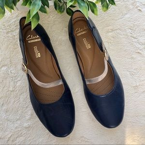 Clarks collection soft cushion navy blue shoes